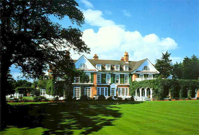 Chewton glen careers